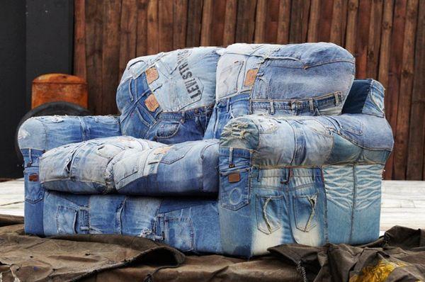 Идут ли дивану джинсы?
